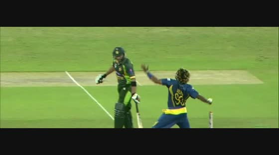 Amazing catch by Thisara Perera, 2012