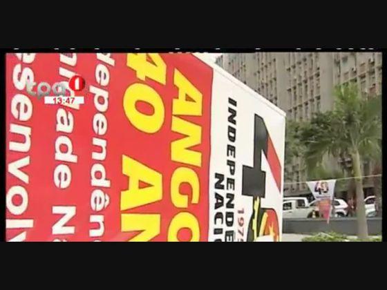 """""""Angola 40 Anos"""" Largo da Independência vestido com as cores nacionais"""